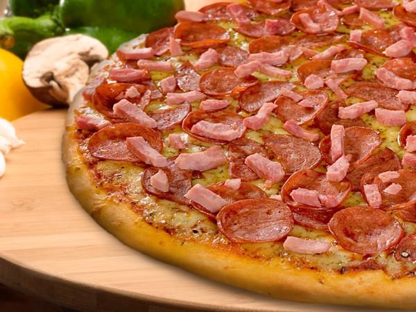 Meatzza Pizza